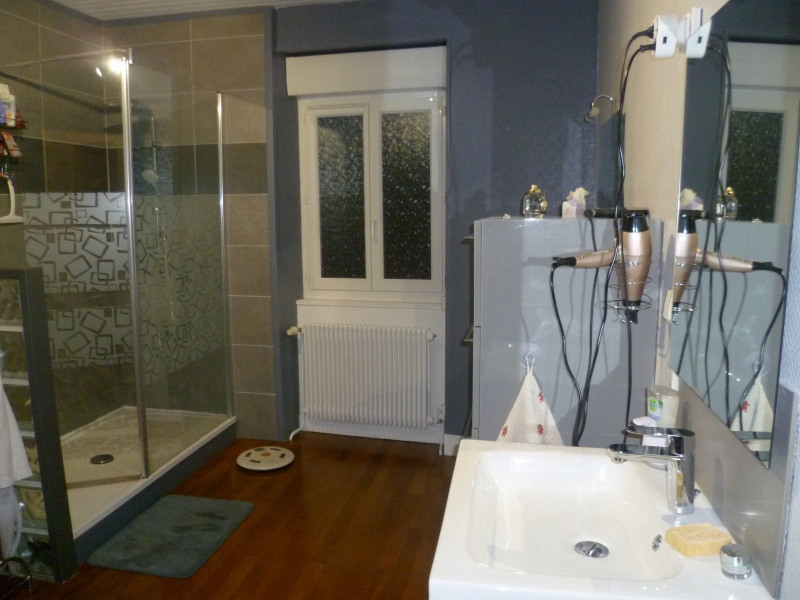 Sale house / villa Bessenay 220000€ - Picture 4