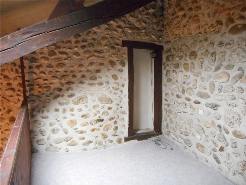 Rental apartment Chirens 283€ CC - Picture 3