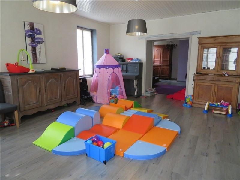 Vente maison / villa Douains 257000€ - Photo 4