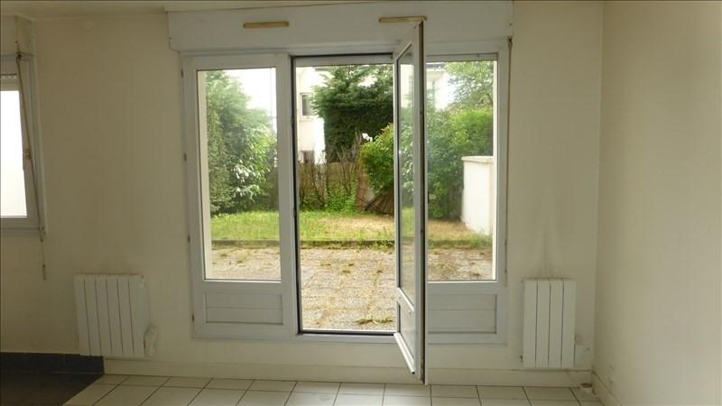 Location appartement Bois-d'arcy 805€ CC - Photo 1