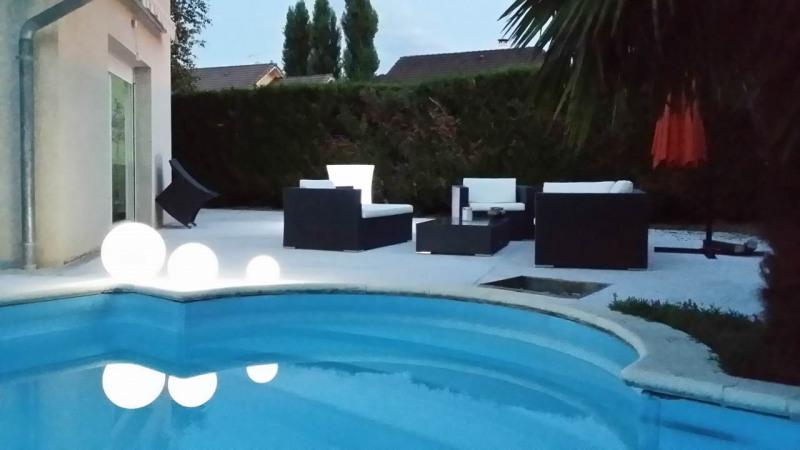 Deluxe sale house / villa Gaillard 714000€ - Picture 1