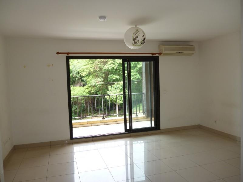 Rental apartment Ste clotilde 442€ CC - Picture 2