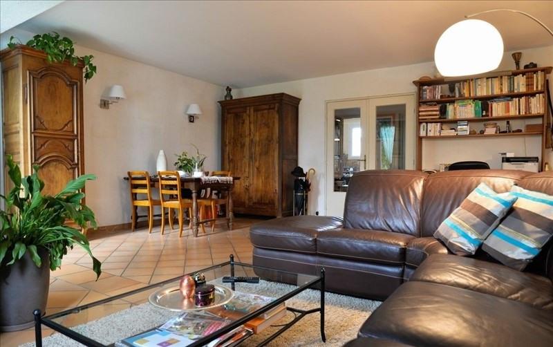Sale house / villa Montigny le bretonneux 435750€ - Picture 1