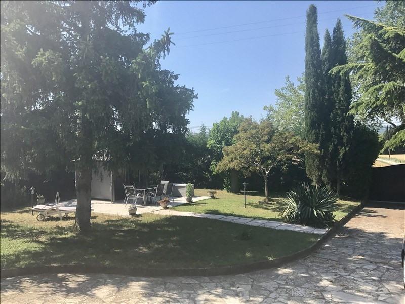 Sale house / villa Le puy ste reparade 440000€ - Picture 1