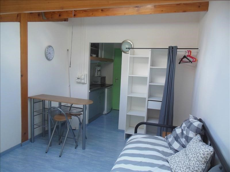 Rental apartment Aytre 330€ CC - Picture 1