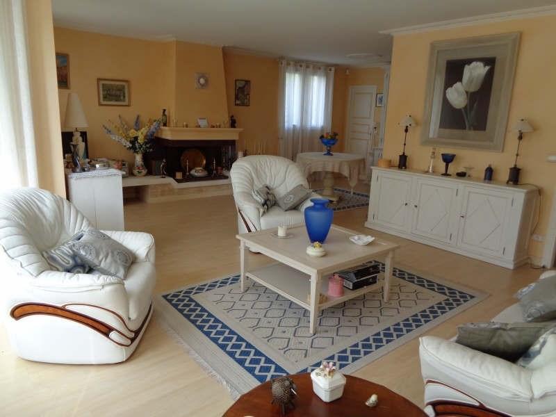 Sale house / villa Lesigny 436000€ - Picture 3