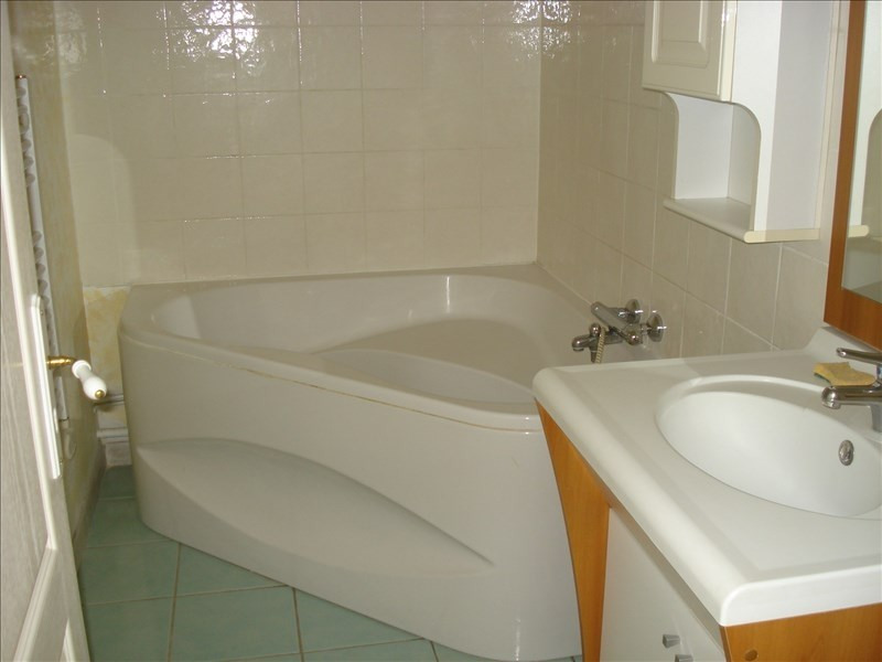 Rental apartment Ste colombe 640€ CC - Picture 6