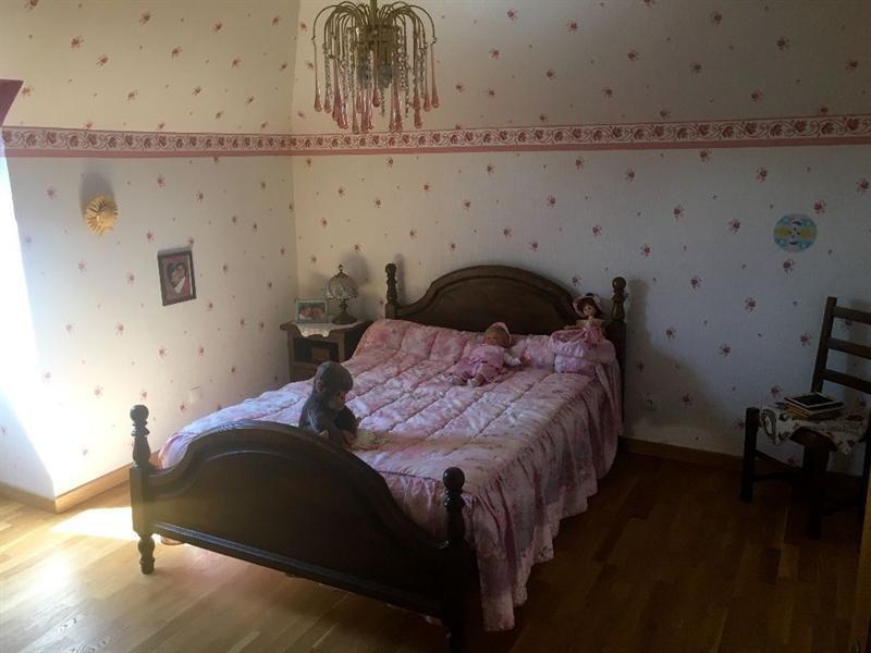 Sale house / villa Bulles 330000€ - Picture 14