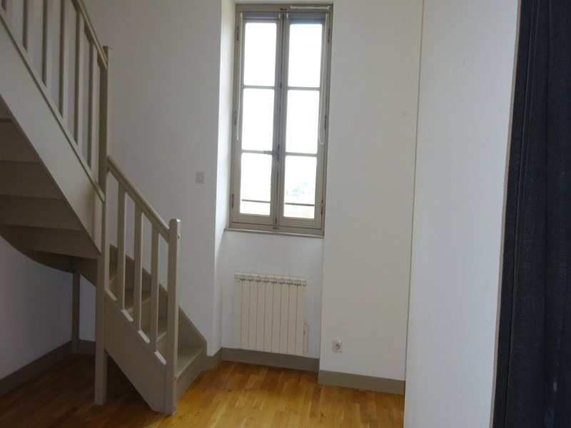 Location appartement Sainte-foy-lès-lyon 711€ CC - Photo 3