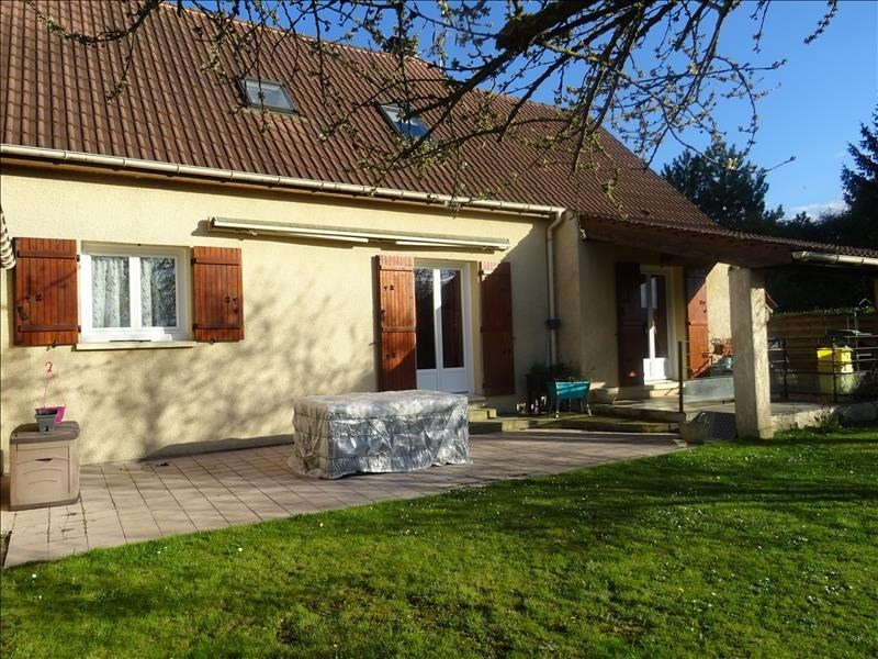 Sale house / villa Chambly 379000€ - Picture 1