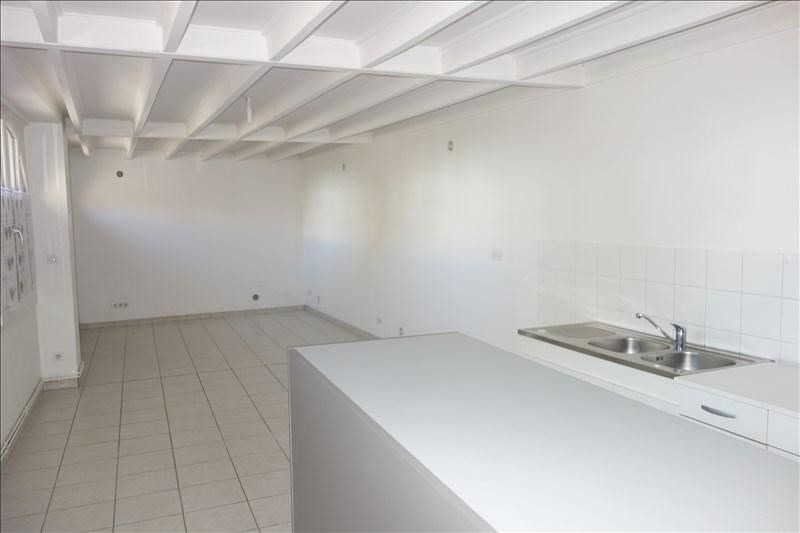 Location appartement Renaison 450€ CC - Photo 3