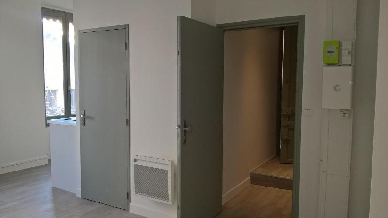 Location appartement Lyon 6ème 499€cc - Photo 3