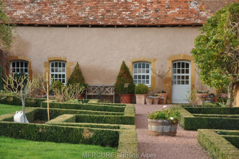 Vente de prestige château Pouilly sous charlieu 850000€ - Photo 4