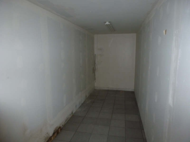 Location local commercial Chatellerault 1470€ HT/HC - Photo 3