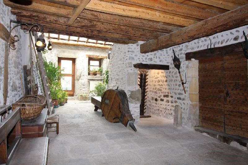 Deluxe sale house / villa Vourles 585000€ - Picture 2