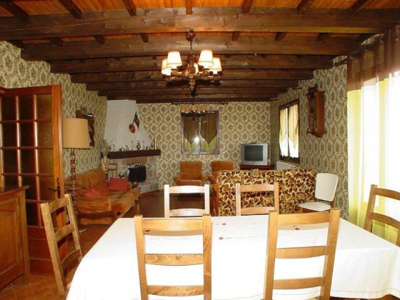Sale house / villa St agreve 170 200€ - Picture 3