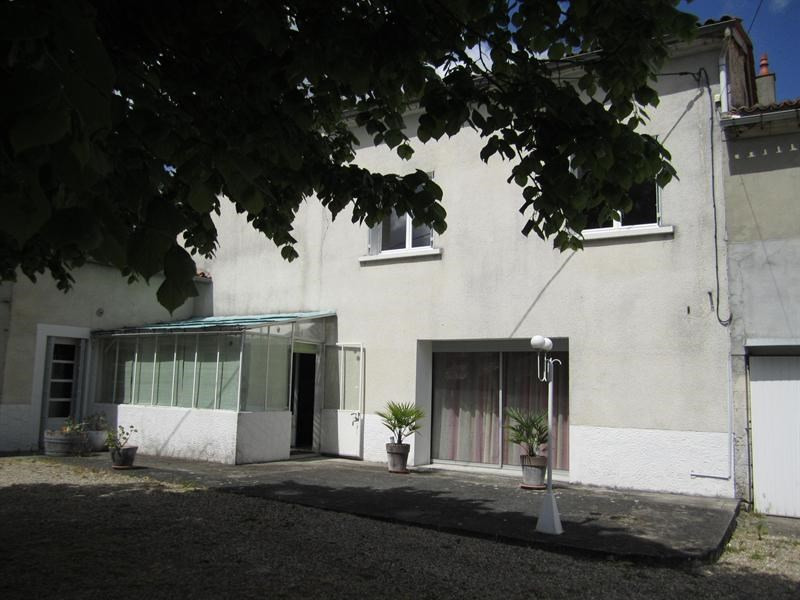 Sale house / villa Barbezieux saint -hilaire 157 000€ - Picture 1