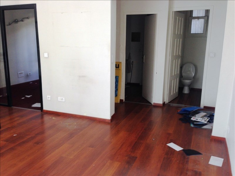Location local commercial Toulon 644€ HT/HC - Photo 3