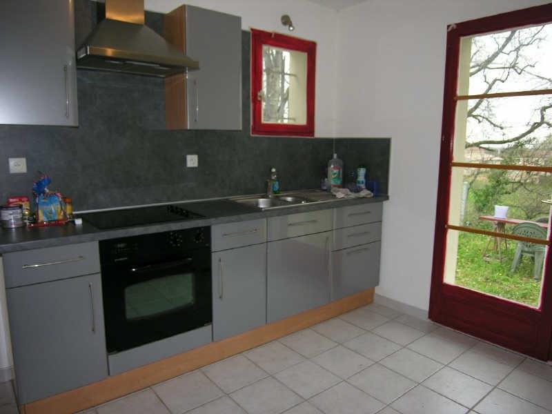 Location maison / villa Prignac et marcamps 708€ CC - Photo 3