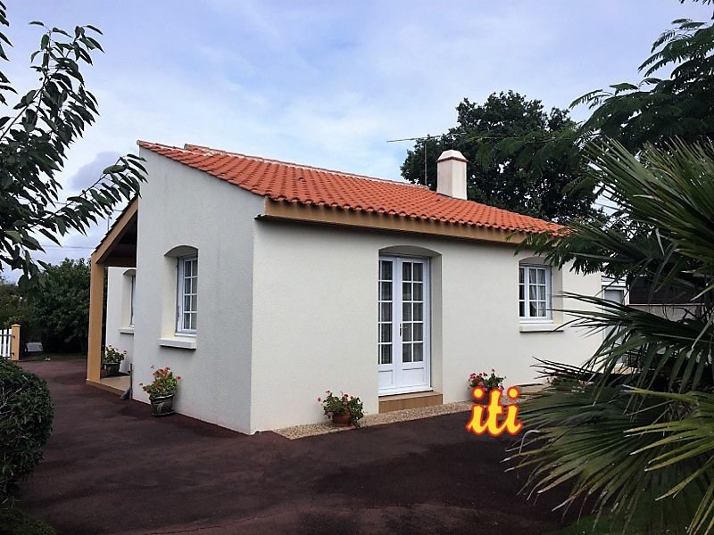 Sale house / villa Grosbreuil 147 700€ - Picture 1