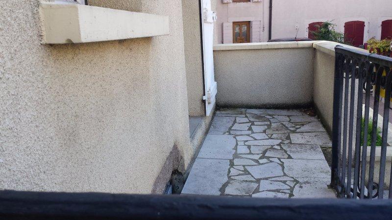 Sale house / villa St laurent de chamousset 68000€ - Picture 1