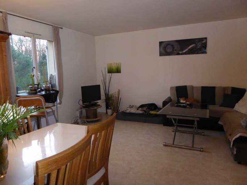 Rental apartment Maurepas 797€ CC - Picture 1