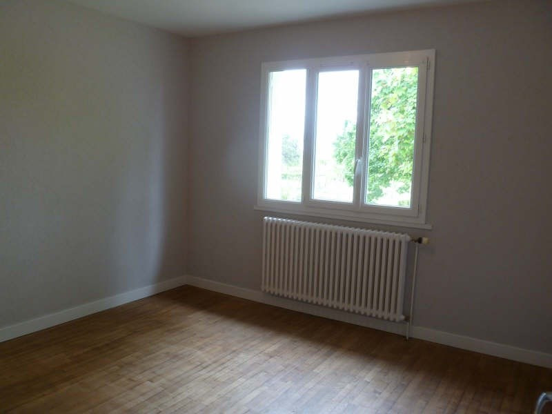 Location maison / villa Fontaine le comte 725€cc -  7