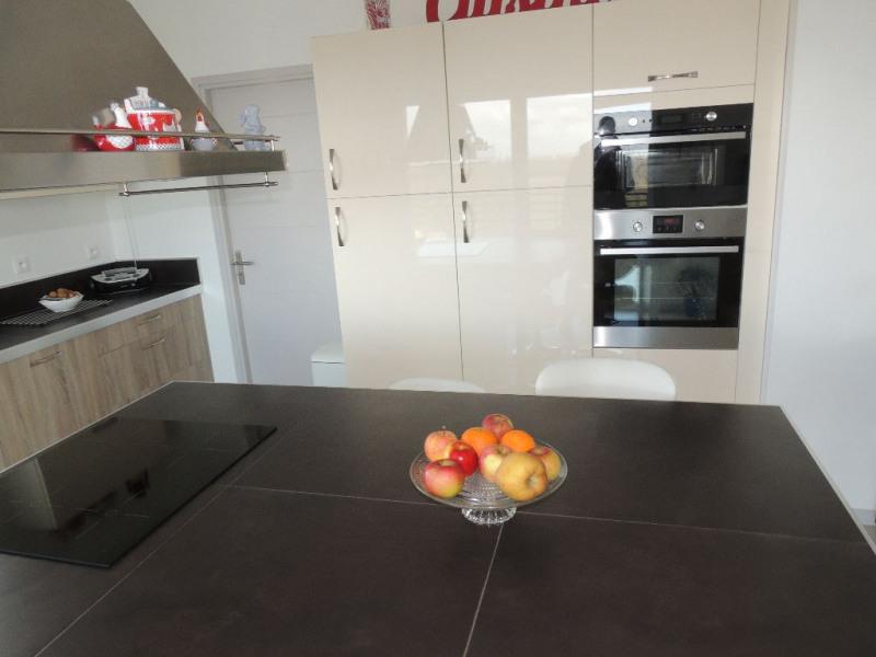 Deluxe sale house / villa Breuillet 650000€ - Picture 9