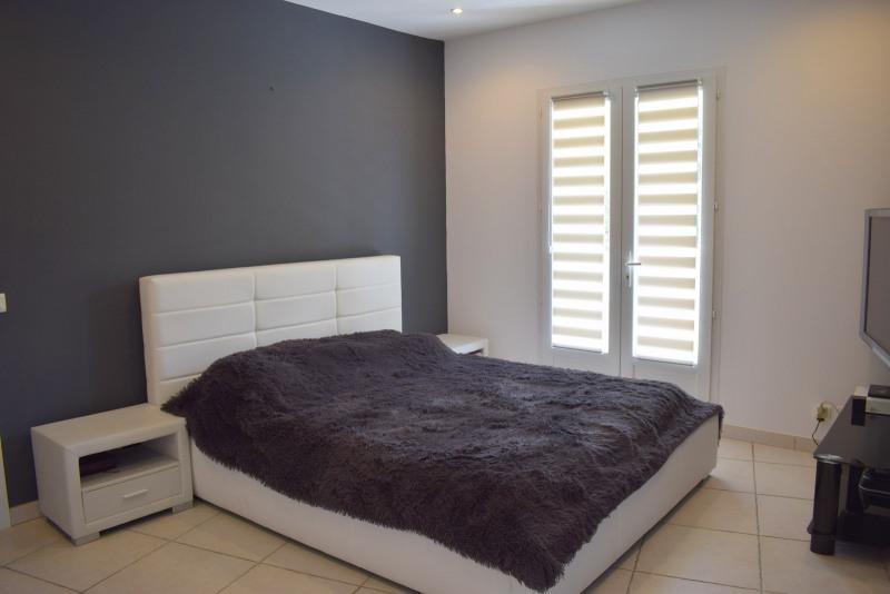 Vente de prestige maison / villa Bagnols-en-forêt 598000€ - Photo 15