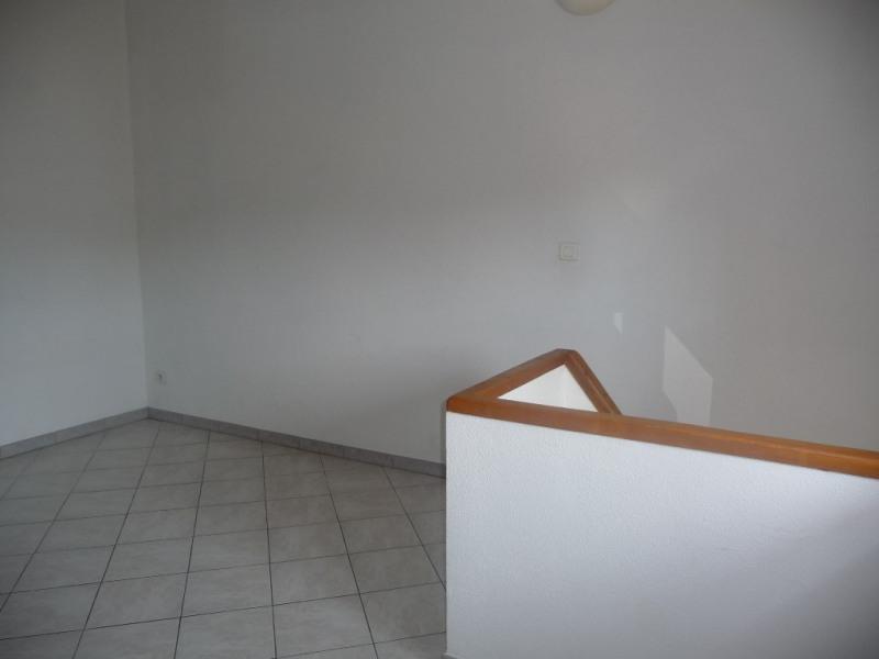 Rental apartment Les milles 650€ CC - Picture 4