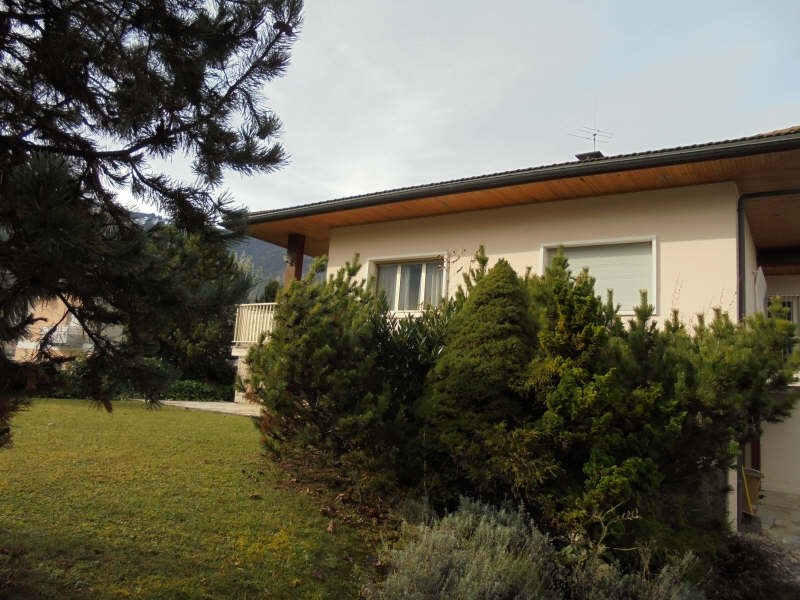 Sale house / villa Scionzier 530 000€ - Picture 1