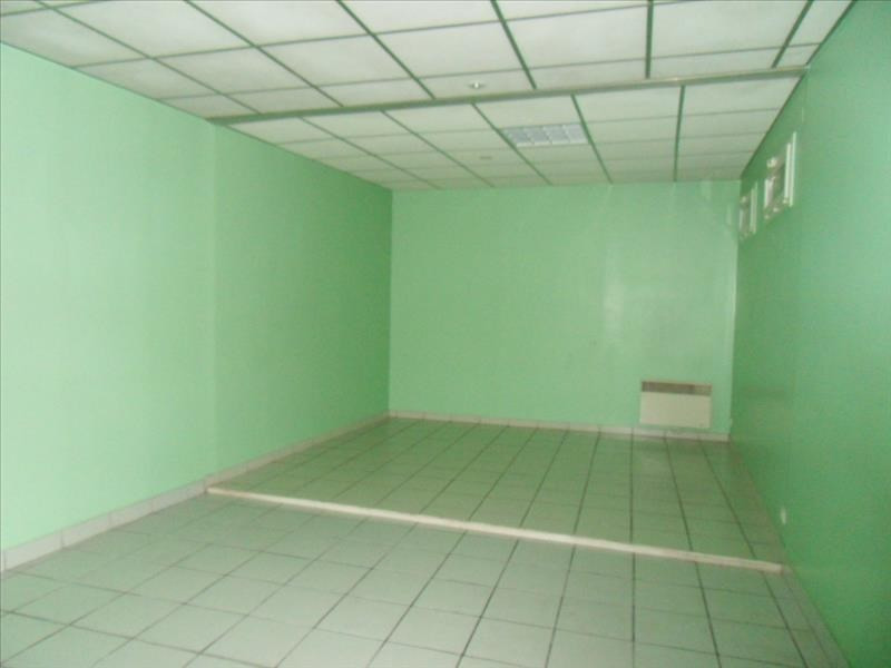 Location local commercial Cognac 452€ HT/HC - Photo 4