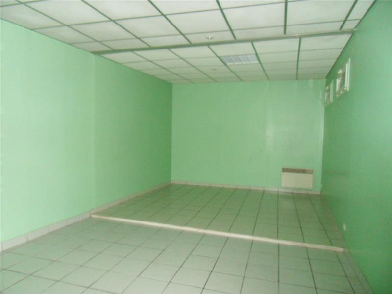 Rental empty room/storage Cognac 452€ HT/HC - Picture 4