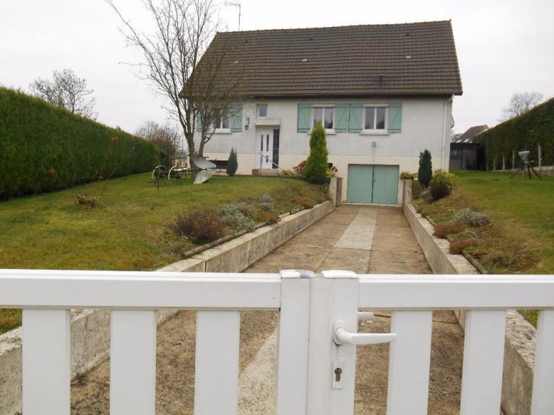 Sale house / villa Marseille en beauvaisis 198000€ - Picture 1