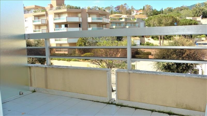 Investment property apartment Cavalaire sur mer 110 000€ - Picture 2