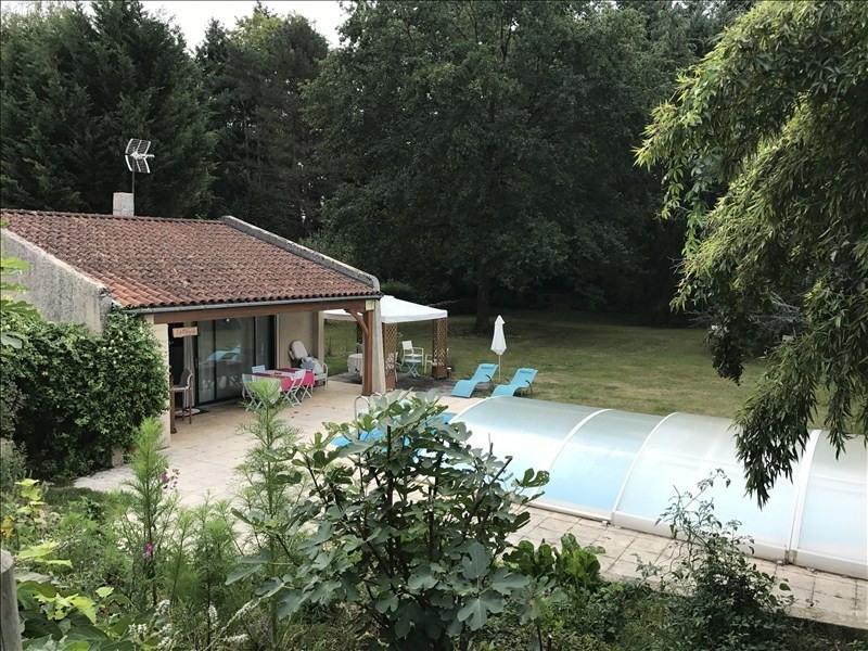 Sale house / villa Riorges 311000€ - Picture 1