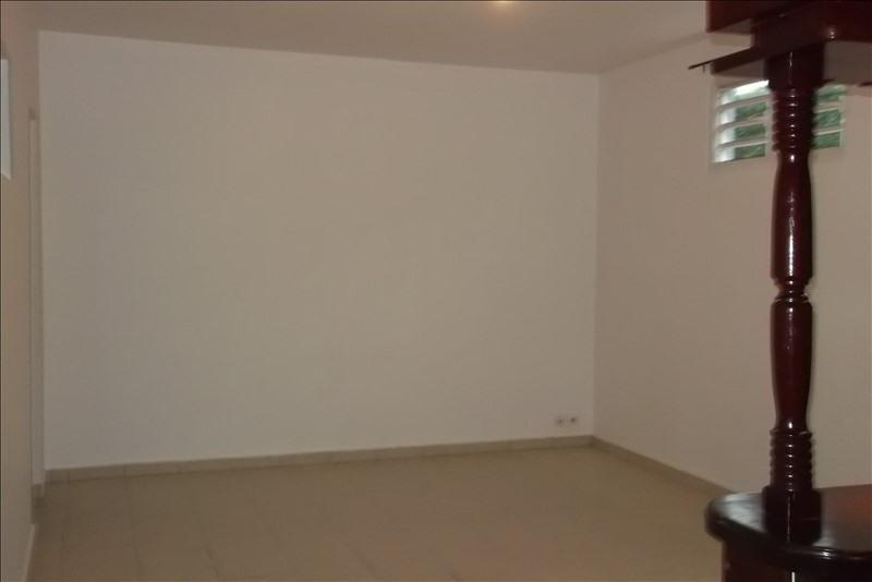 Rental apartment Lamentin 650€ CC - Picture 3