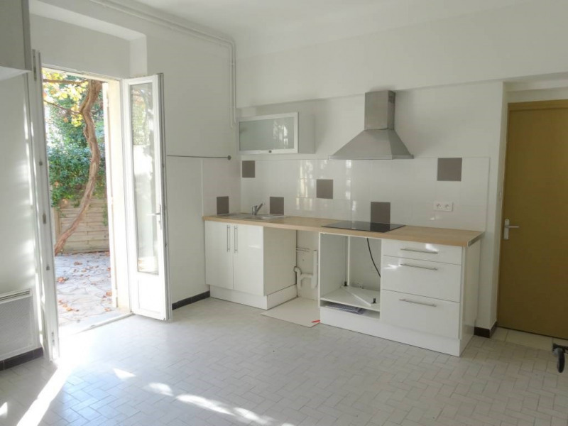 Rental house / villa Avignon 900€ CC - Picture 5