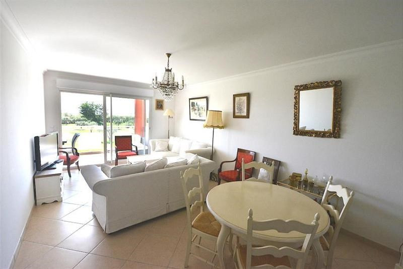 Sale apartment Juan les pins 525 000€ - Picture 2