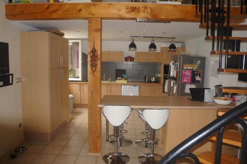 Sale house / villa L isle jourdain 320000€ - Picture 4