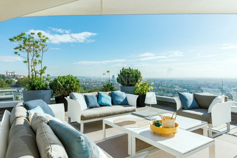 LYON 5 - PENTHOUSE OF 1,862 SQ.FT - TERRACE OF 4,090 SQ.FT - SWIMMING POOL - 3 BEDROOMS