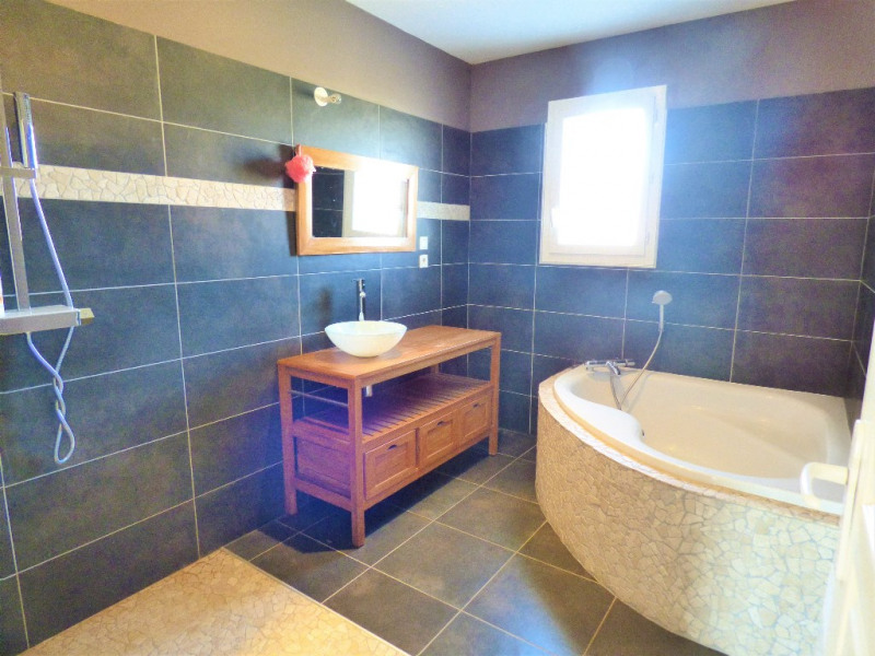Sale house / villa Gauriaguet 220000€ - Picture 5