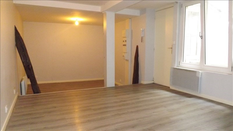 Location appartement Coulommiers 525€ CC - Photo 1