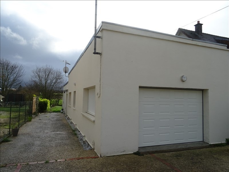 Sale house / villa Ste maure 177000€ - Picture 1