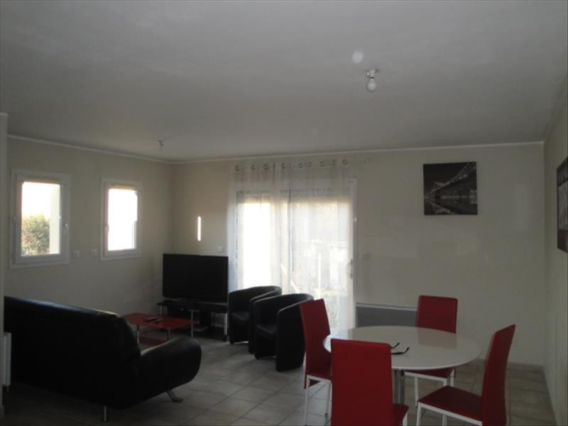 Location maison / villa La creche 620€ CC - Photo 2