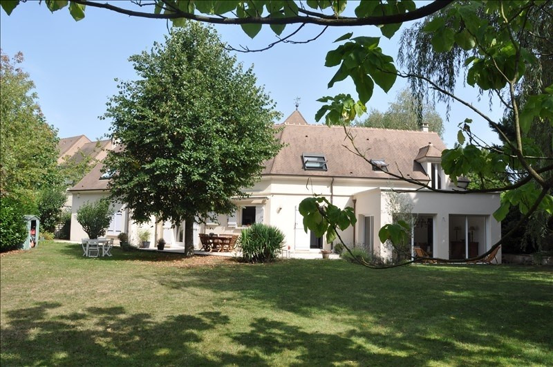 Sale house / villa Feucherolles 990000€ - Picture 1