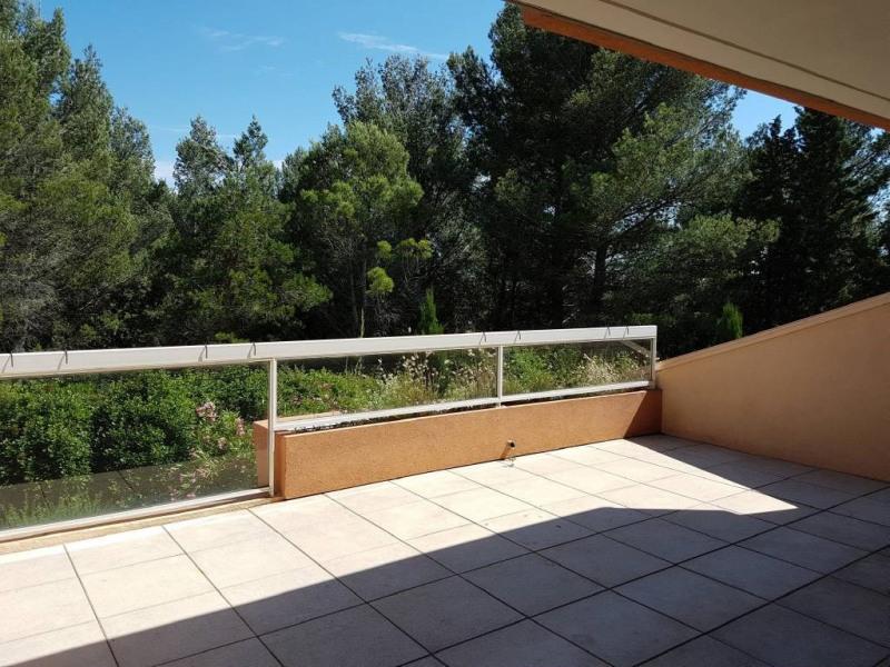 Location appartement Villeneuve-les-avignon 892€ CC - Photo 5