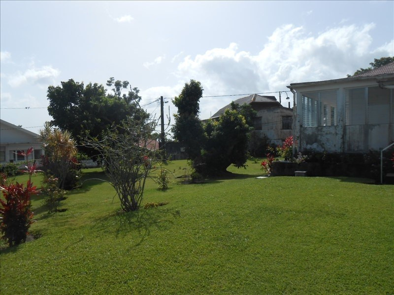 Investment property house / villa St claude 263000€ - Picture 2