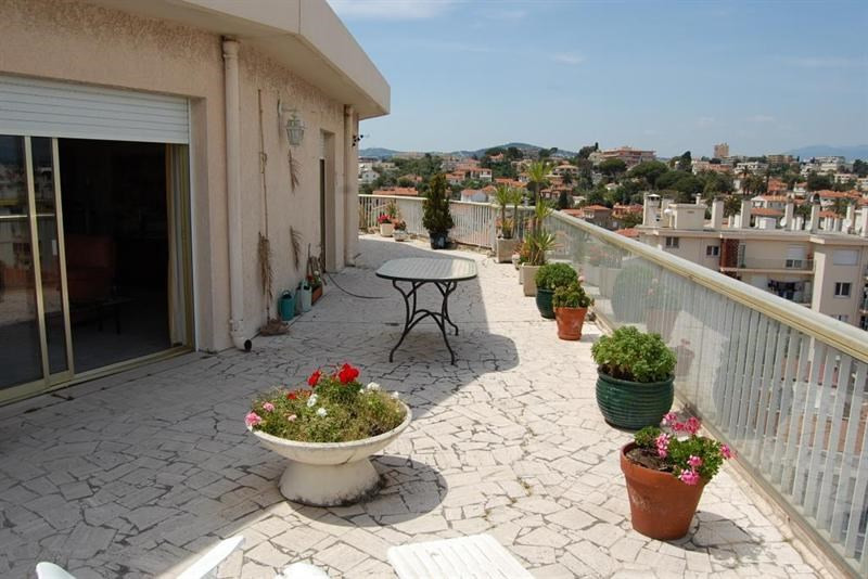 Sale apartment Antibes 990 000€ - Picture 3