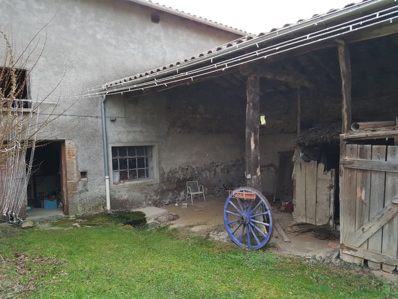 Investment property house / villa St laurent de chamousset 243000€ - Picture 8